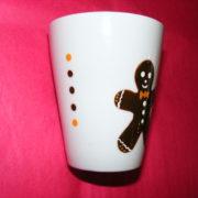 mug conique verso porcelaine blanche décor bonhomme pain d'épices