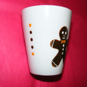 Verso Mug conique en porcelaine peinte à la main décor bonhomme en pain d'épices