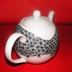 Verso théière boule en porcelaine peinte à la main, décor dentelle noire