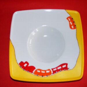 Assiette p'tit train rouge et orange en porcelaine peinte à la main