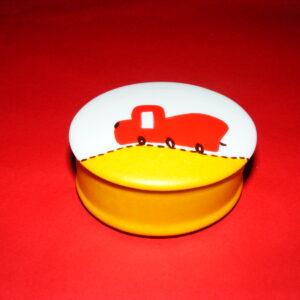 Boite ovale décor P'tit train rouge et orange en porcelaine peinte à la main