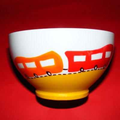 Bol verso décor p'tit train rouge et orange en porcelaine peinte à la main