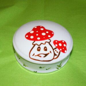Boîte ronde plate en porcelaine blanche peinte à la main, décor champignons rigolos