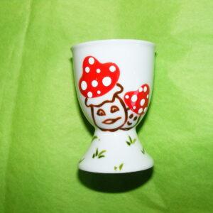 Coquetier classique en porcelaine blanche peinte à la main, décor champignons rigolos