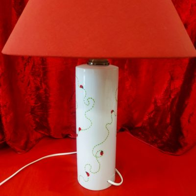 Grande lampe cylindre éteinte