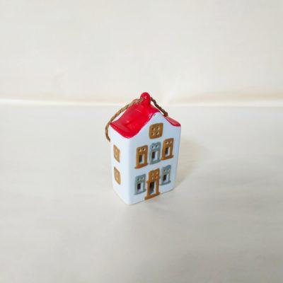 Maisonnette de Noël à suspendre toit rouge