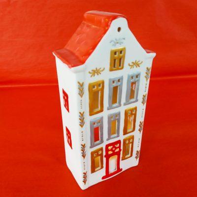 Maison de Noël décorative toit rouge